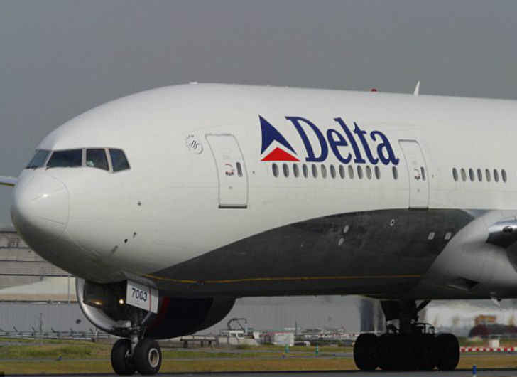 Delta Bans Unruly Trump Supporter for Life