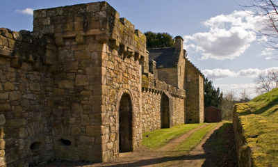 """""""Angry Badger"""" Causes Historic Scottish Castle to Close to Tourists"""
